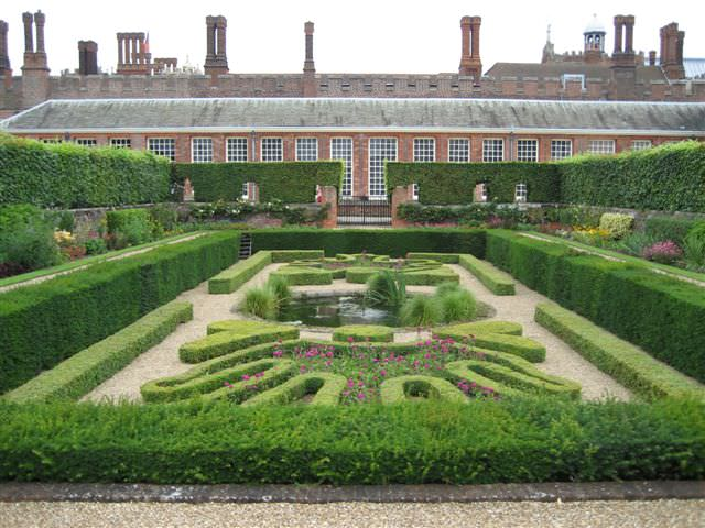 Hecken im Pondgarden - Hampton Court, England