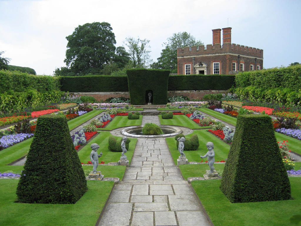 Gartenanlage in Hampton Court, England